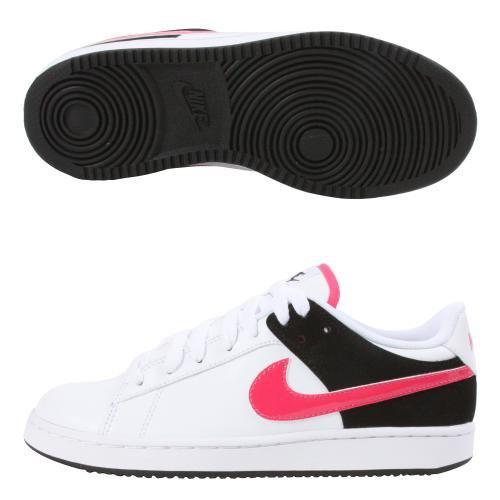 797cd49e250 Stylové dámské kožené boty Nike pro volný čas. Expedice  do 48 hodin -  skladem. DÁRE.